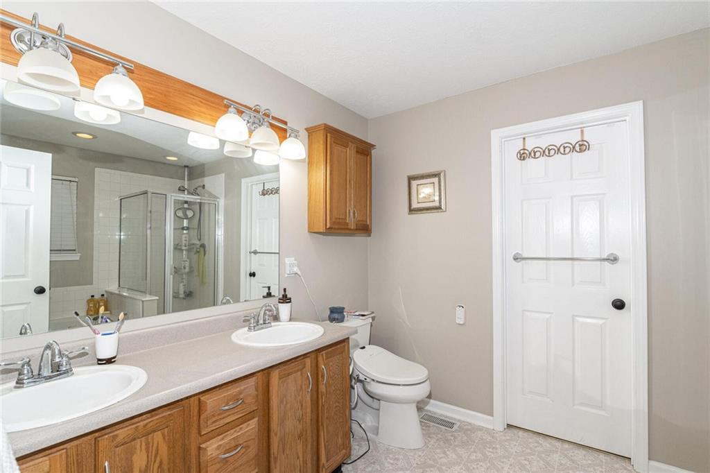 9942 E Suncoral Circle, Fishers, IN 46038 image #15