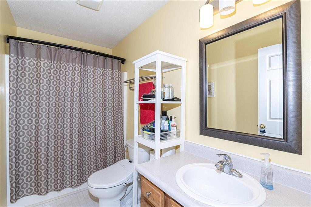 9942 E Suncoral Circle, Fishers, IN 46038 image #18
