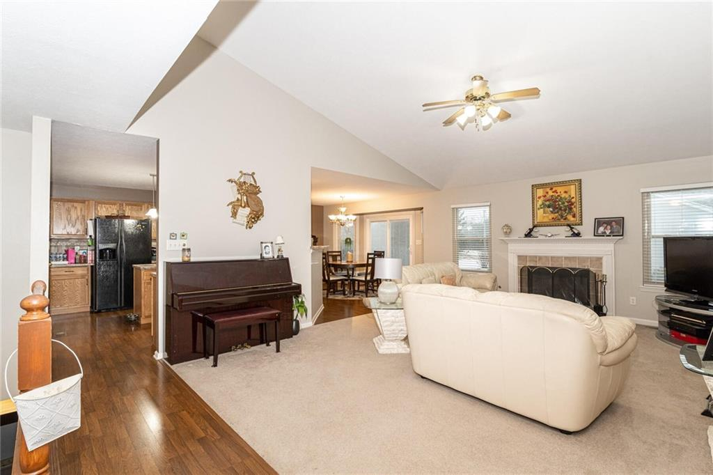 9942 E Suncoral Circle, Fishers, IN 46038 image #5
