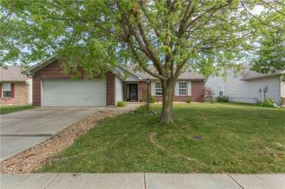 10282 E Whitewater Ln Lane, Fishers, IN 46037