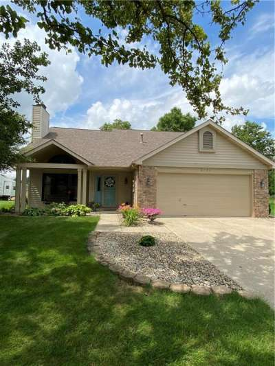 8755 N Surrey Drive, Pendleton, IN 46064