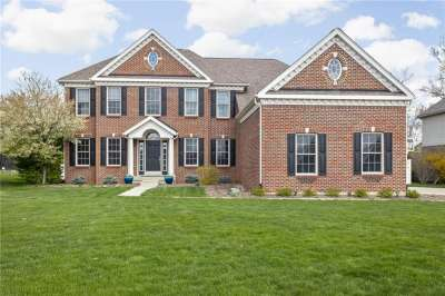 9074 N Stonington Place, Zionsville, IN 46077