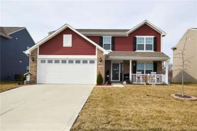 2402 Ne Sungold Trail, Greenwood, IN 46143