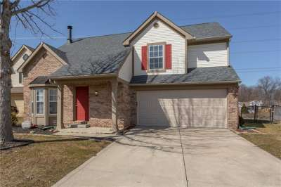 340 W Lake Ridge Lane, Greenwood, IN 46142