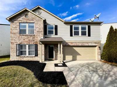14290 N Weeping Cherry Drive, Fishers, IN 46038