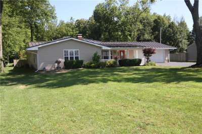 2702 E 500, Whiteland, IN 46184