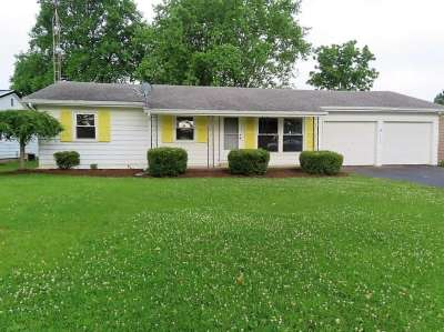 209 N Olive Street, Farmland, IN 47340