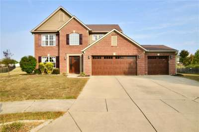 5026 E Clay Creek Lane, Plainfield, IN 46168