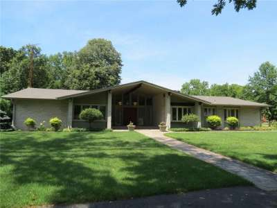 3396 S Grove Parkway, Columbus, IN 47203