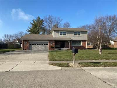 1308 N Greenhills Road, Greenfield, IN 46140