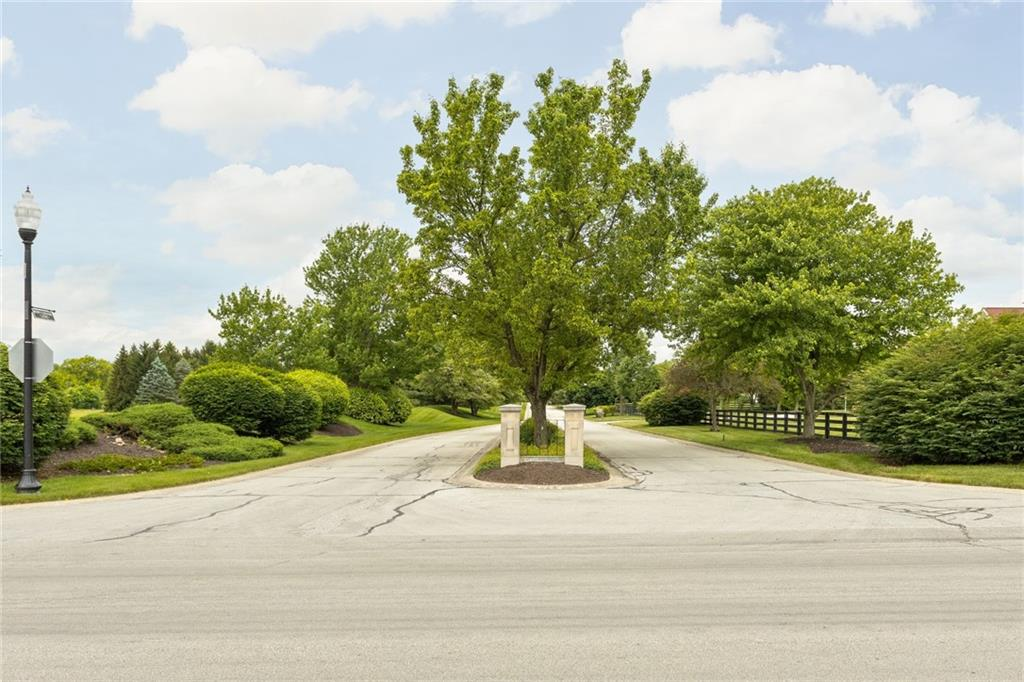 7365 N Hunt Country Lane, Zionsville, IN 46077 image #13