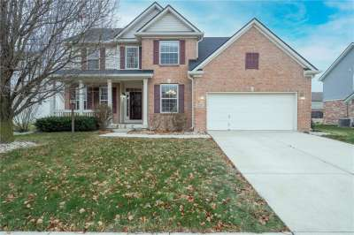8672 N Autumnview Drive, McCordsville, IN 46055