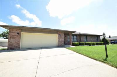 425 Persimmon Drive, Seymour, IN 47274