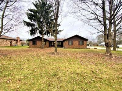 6843 N Bloomfield Drive, Indianapolis, IN 46259