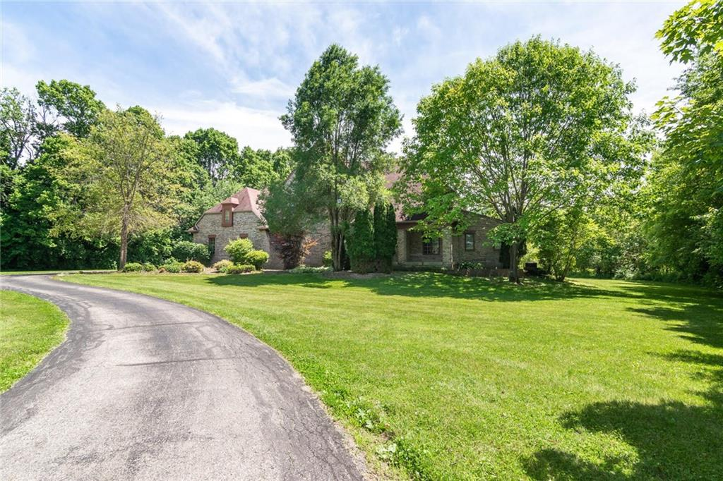 3511 W Willow Road Zionsville, IN 46077