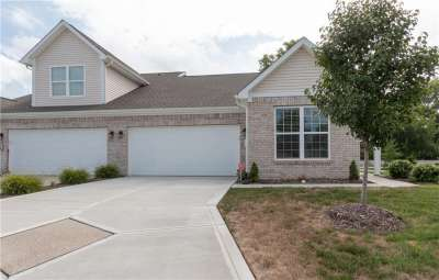 1118 E Kristi Court, Greenwood, IN 46142