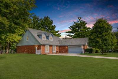231 E Summit Ridge Drive, Greenwood, IN 46142