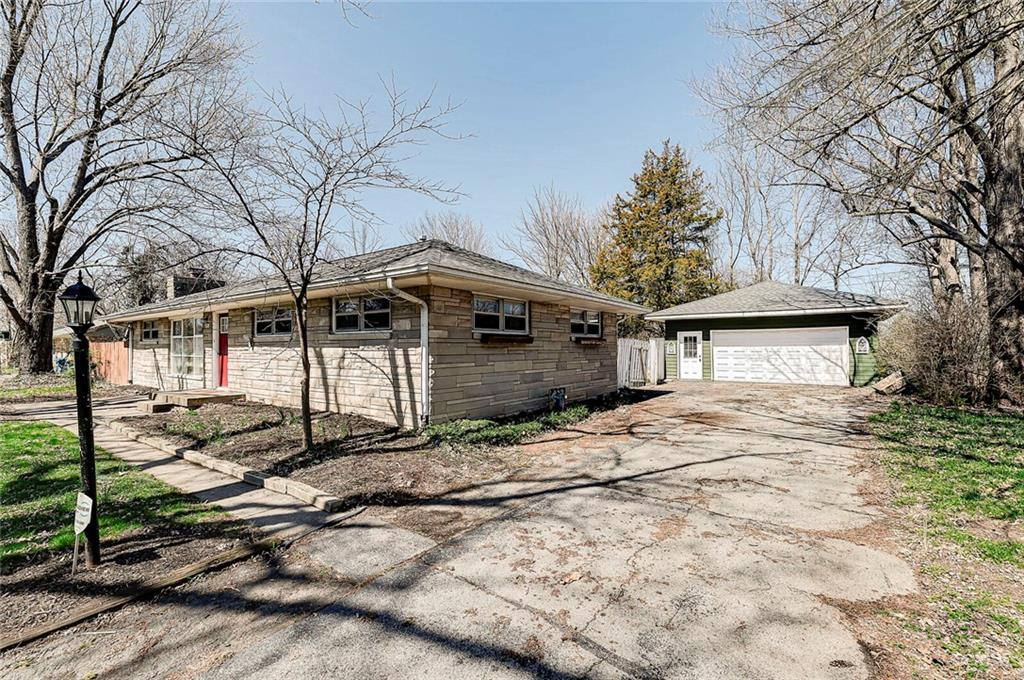 226 S Pam Road, Carmel, IN 46280 image #2