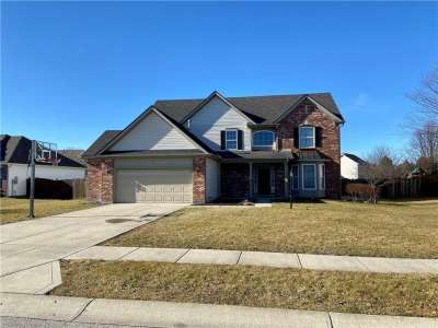 815 W Bristle Lake Drive, Brownsburg, IN 46112