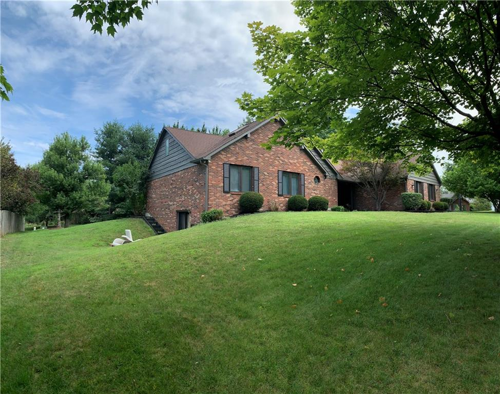 4230 E Country Lane, Greenwood, IN 46142 image #1