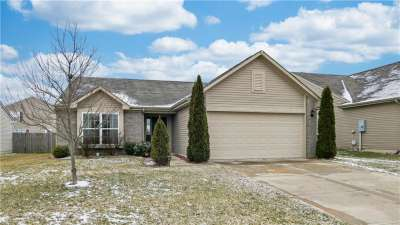 593 S Cross Wind Drive, Greenwood, IN 46143