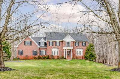 10022 N Fox Trace, Zionsville, IN 46077
