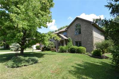 8661 W Promontory Road, Indianapolis, IN 46236