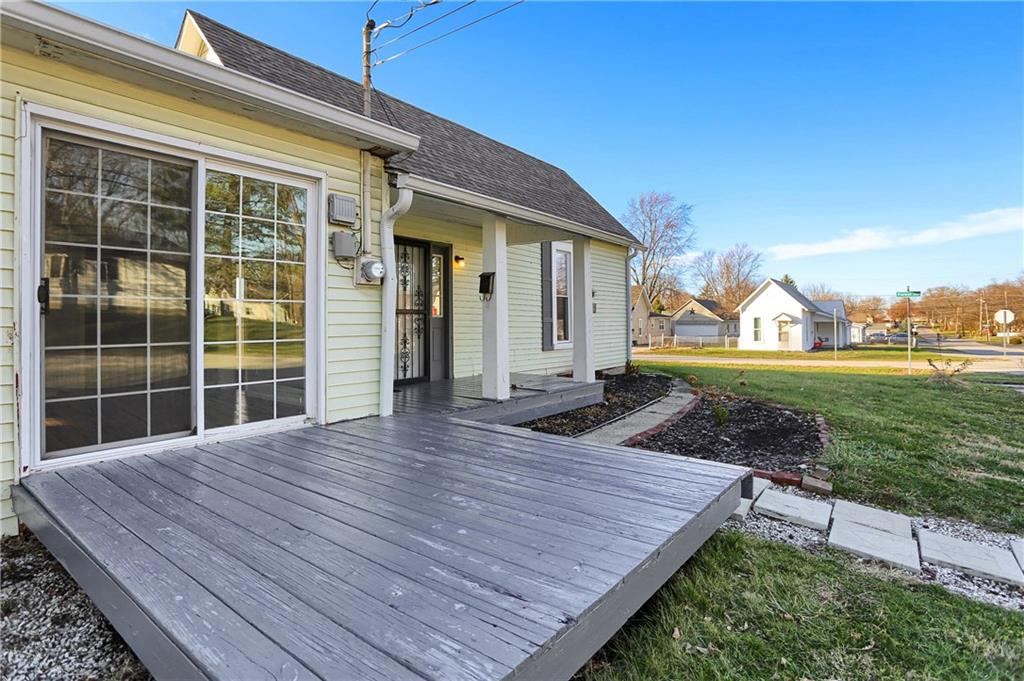 599 E Forest Avenue, Greenwood, IN 46143 image #2