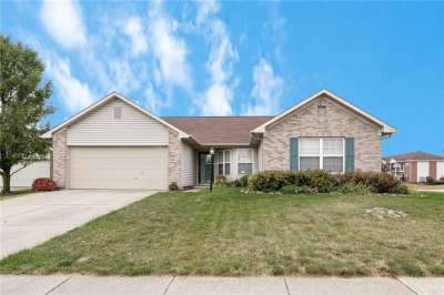 12188 S Emerald Isle Court, Fishers, IN 46037