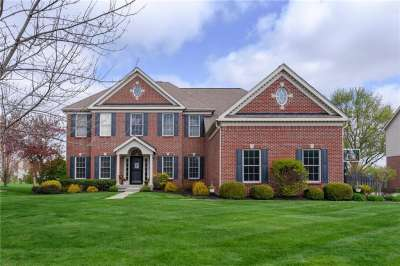 8842 W Pin Oak Drive, Zionsville, IN 46077