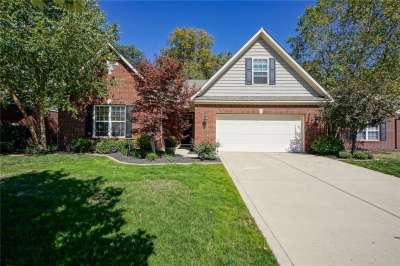 9881 Brook Wood Drive, McCordsville, IN 46055