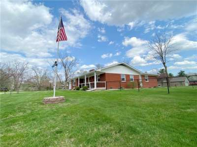 1025 E Ledgewood Court, Avon, IN 46123