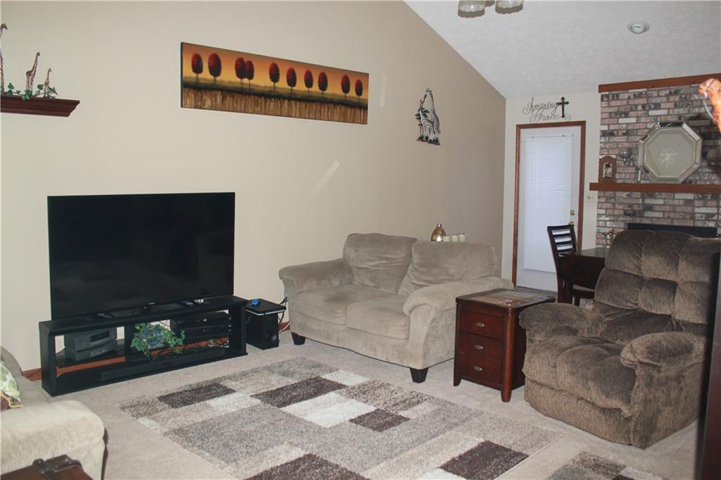 124 W Woodhaven Drive, Greencastle, IN 46135 image #8