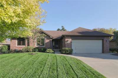 5240 S Linda Way, Greenwood, IN 46142
