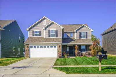 2516 E Sungold Trail, Greenwood, IN 46143