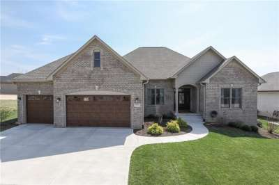 5623 E Mockingbird Lane, Greenwood, IN 46143