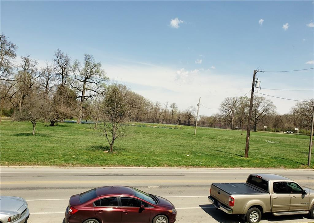 3209 E Brookside Parkway South Drive, Indianapolis, IN 46201 image #5