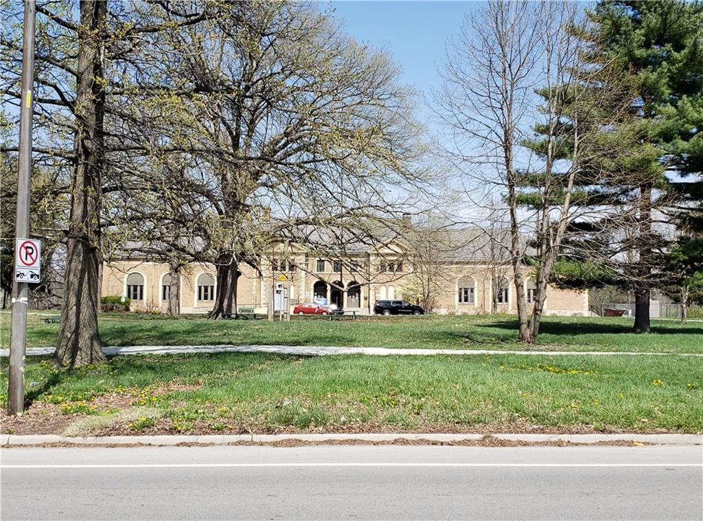 3209 E Brookside Parkway South Drive, Indianapolis, IN 46201 image #6