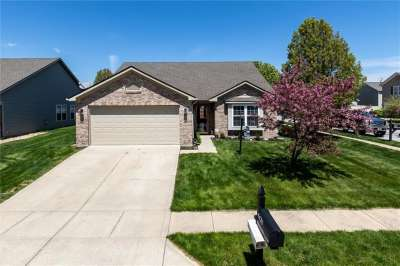 8426 W Bluestem Lane, Plainfield, IN 46168