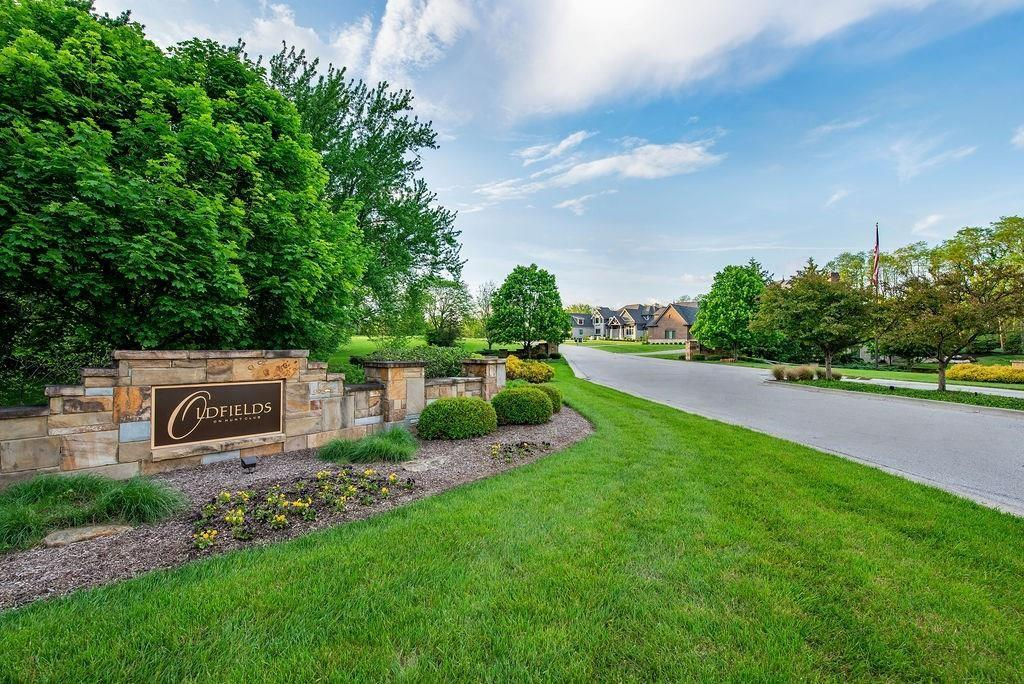 6761 N Wellington Circle Zionsville, IN 46077