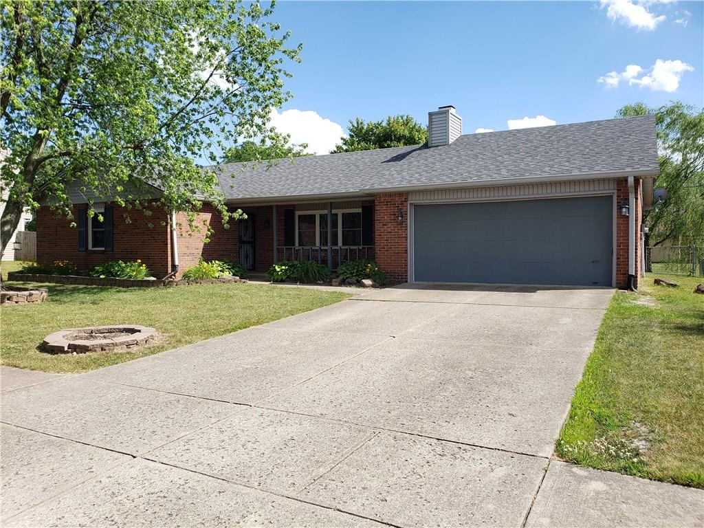 995 E Green Pasture Court, Greenwood, IN 46143 image #2
