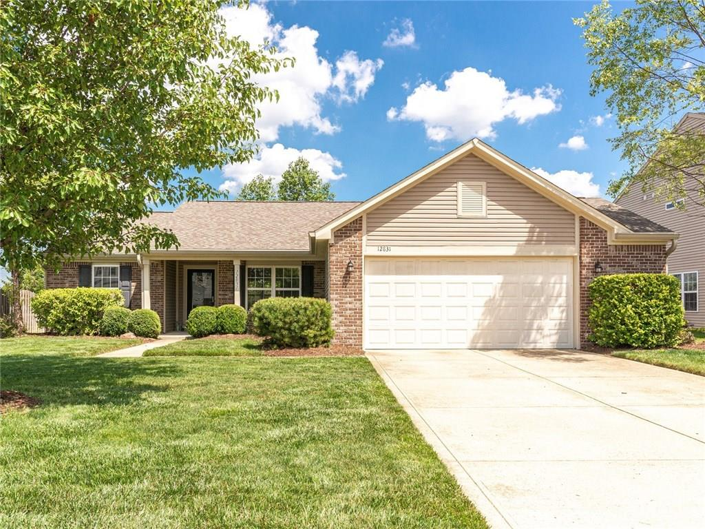 12831 S Touchdown Drive, Fishers, IN 46037 image #2
