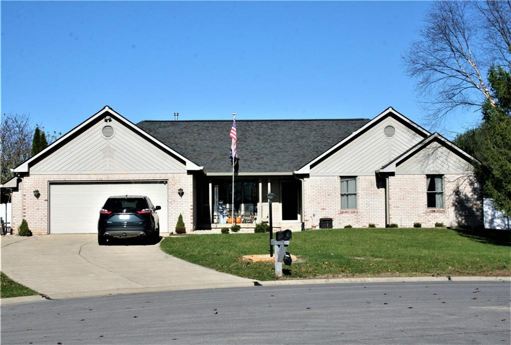 42 E Jeans Court Whiteland, IN 46184