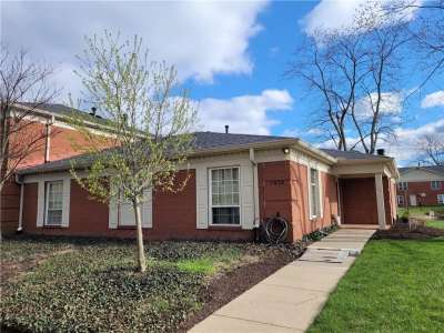 7438 Lions Head Drive, Indianapolis, IN 46260