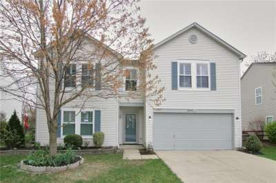 10301 N Cotton Blossom Drive, Fishers, IN 46038