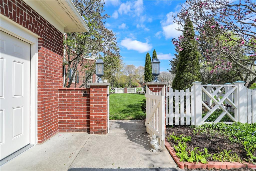 55 N Smith Lane, Zionsville, IN 46077 image #6