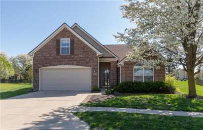 919 W Nature Lake Circle, Brownsburg, IN 46112