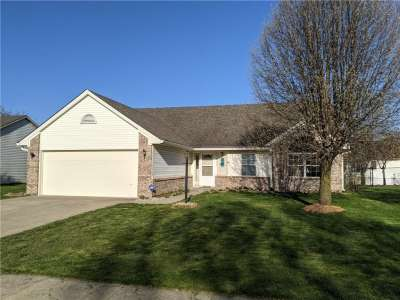 913 Ellington Circle, Greenwood, IN 46143