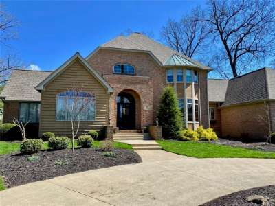 700 S Inverness Lane, Yorktown, IN 47396