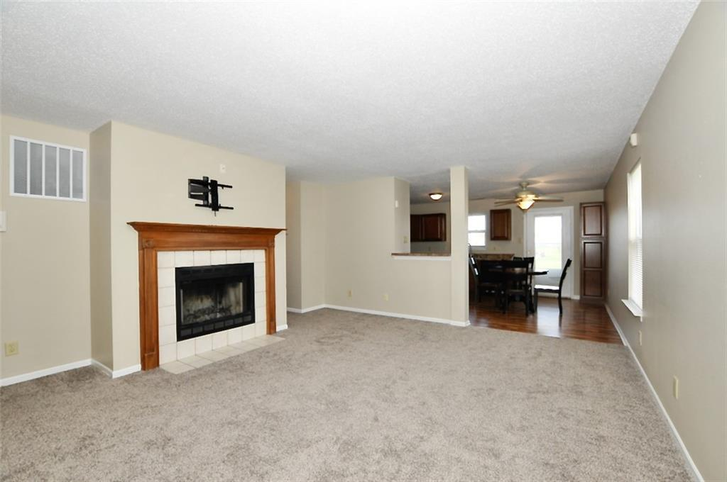 2202 N Summer Breeze Way, Greenwood, IN 46143 image #2